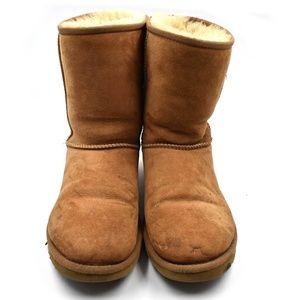 UGG Sz 9 (40) Classic Short II Winter Boots Brown